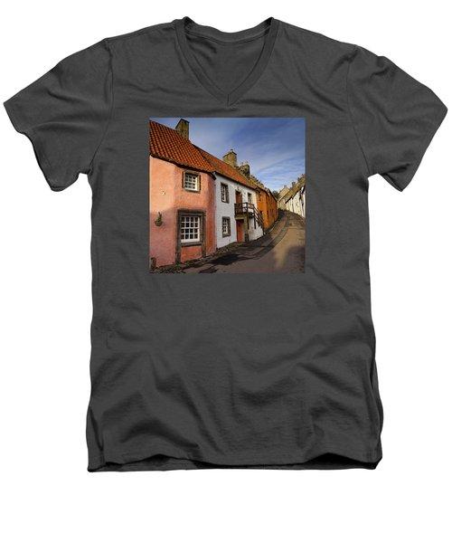 Culross Men's V-Neck T-Shirt