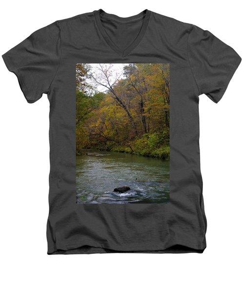 Current River 8 Men's V-Neck T-Shirt
