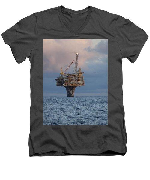 Draugen Platform Men's V-Neck T-Shirt