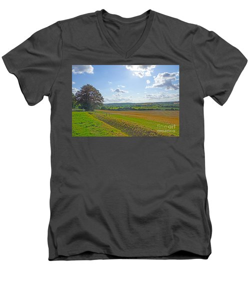 English Countryside Men's V-Neck T-Shirt