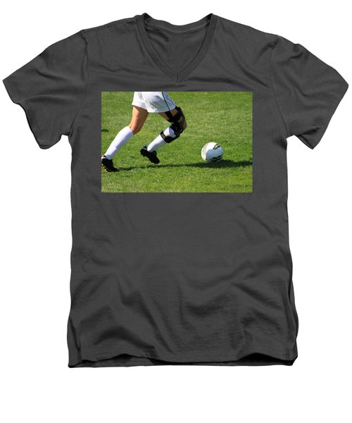 Futbol Men's V-Neck T-Shirt