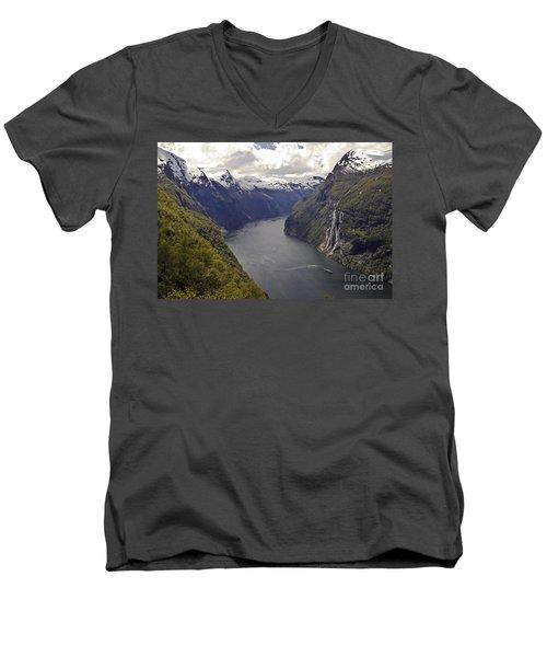 Geiranger Fjord Men's V-Neck T-Shirt