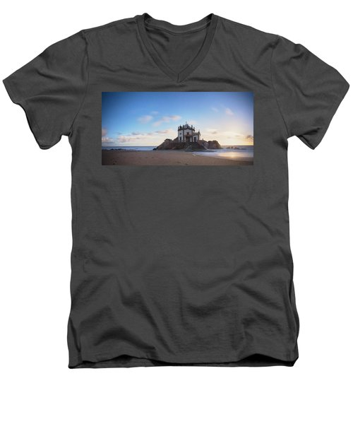 Going Down Men's V-Neck T-Shirt