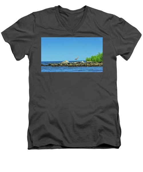 Great Blue Heron On The Chesapeake Bay Men's V-Neck T-Shirt