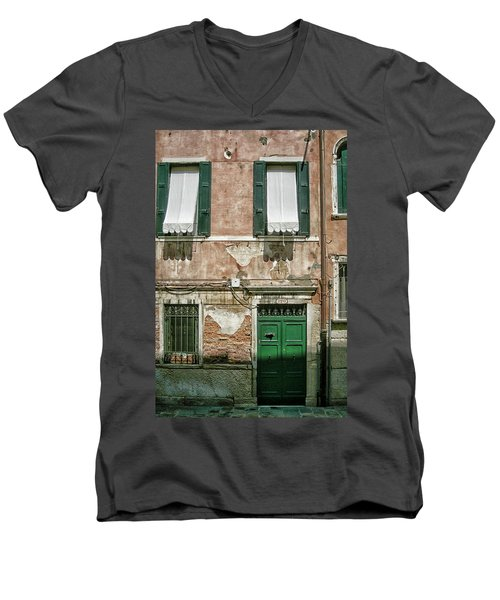 Green Door Men's V-Neck T-Shirt