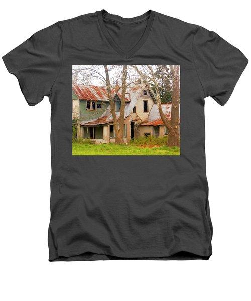 Haunted House Men's V-Neck T-Shirt