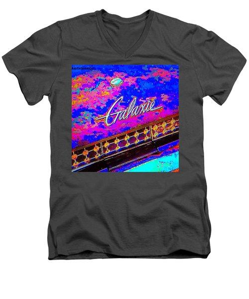 I Am Bindging On #psychedelic Sunday Men's V-Neck T-Shirt
