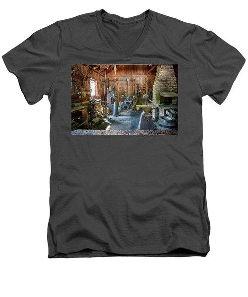 Idle Men's V-Neck T-Shirt