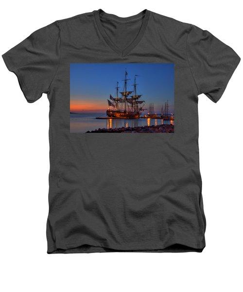 Lafayette's Hermione Voyage 2015 Men's V-Neck T-Shirt