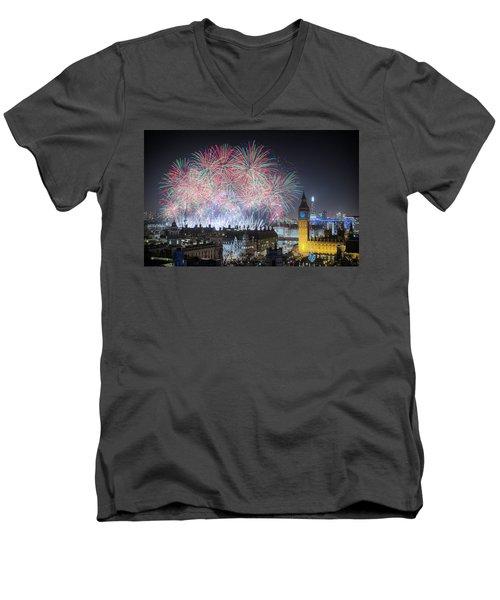 London New Year Fireworks Display Men's V-Neck T-Shirt