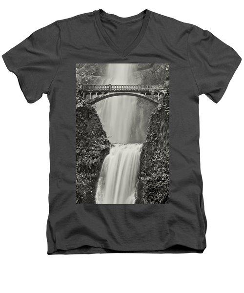 Multnomah Falls Upclose Men's V-Neck T-Shirt