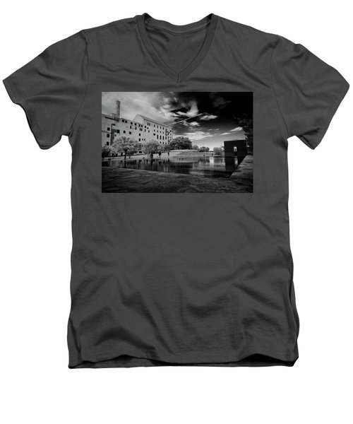 Okc Memorial Men's V-Neck T-Shirt