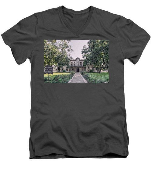 Old Gillespie County Courthouse Men's V-Neck T-Shirt