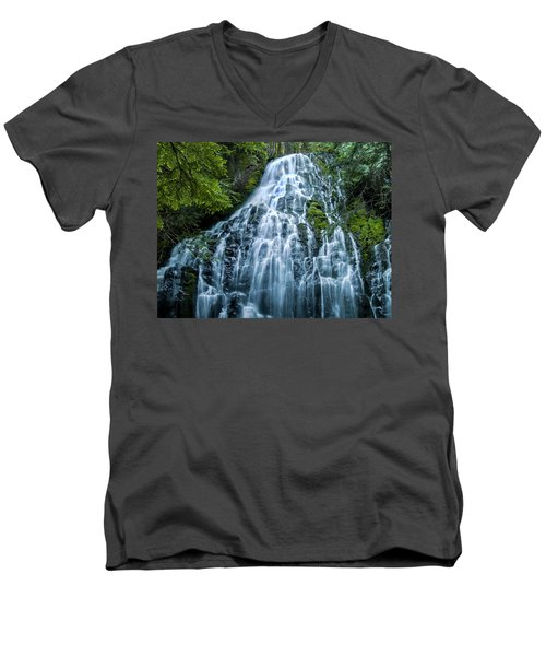 Ramona Falls Cascade Men's V-Neck T-Shirt