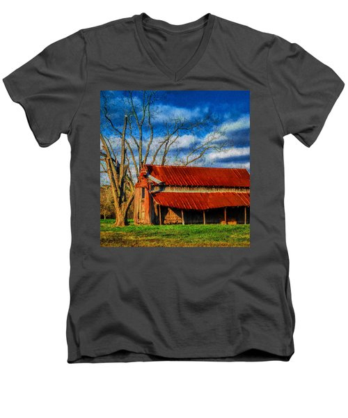 Red Roof Barn Men's V-Neck T-Shirt