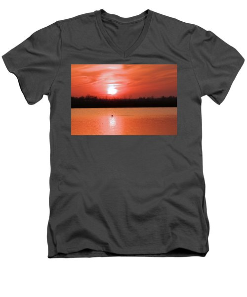 Silky Sunset Men's V-Neck T-Shirt
