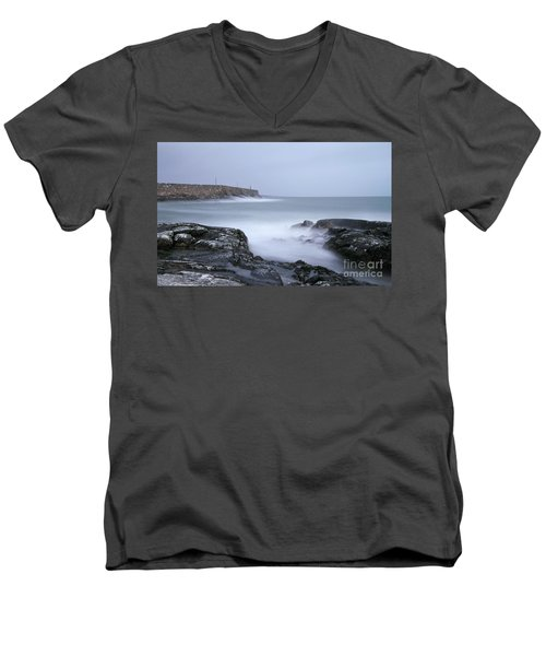 Spiddal Pier Men's V-Neck T-Shirt