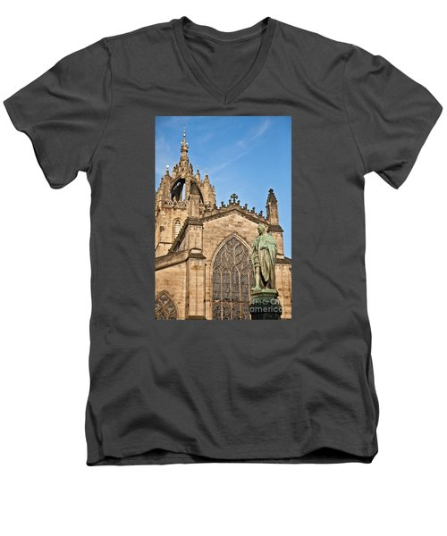 St Giles Cathedral  Edinburgh Men's V-Neck T-Shirt
