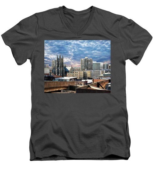 Stamford Cityscape Men's V-Neck T-Shirt