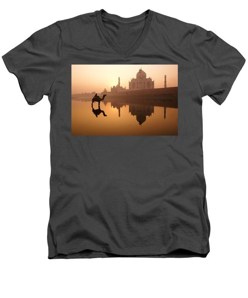 Taj Mahal At Sunrise Men's V-Neck T-Shirt