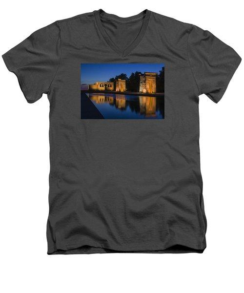 Templo De Debod Men's V-Neck T-Shirt by Ross G Strachan
