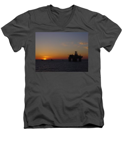 Thunder Horse Tow Out Men's V-Neck T-Shirt