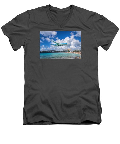 Tui Airlines Netherlands Landing At St. Maarten Airport. Men's V-Neck T-Shirt by David Gleeson