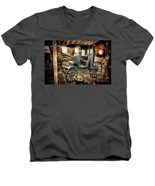 Vintage Horse Drawn Carriage  Men's V-Neck T-Shirt