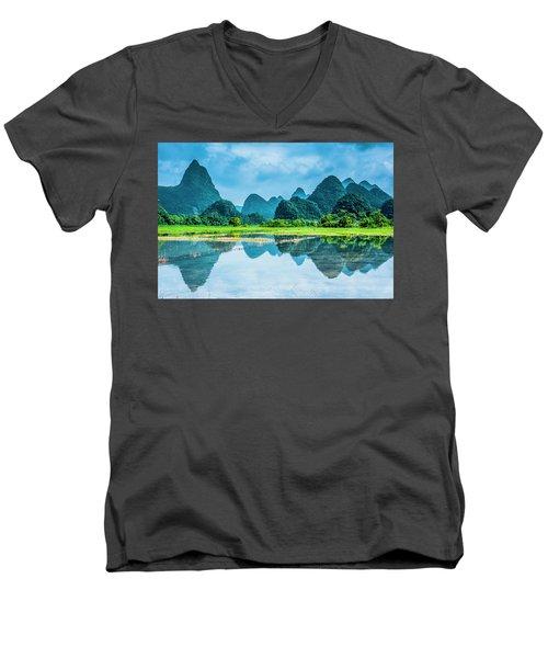 Karst Rural Scenery In Raining Men's V-Neck T-Shirt