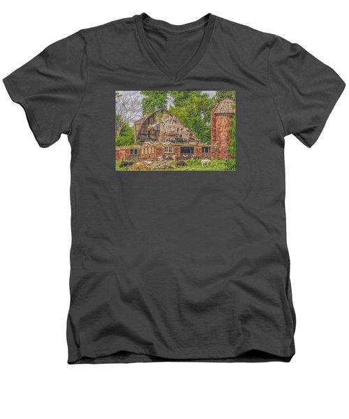 Barn Men's V-Neck T-Shirt