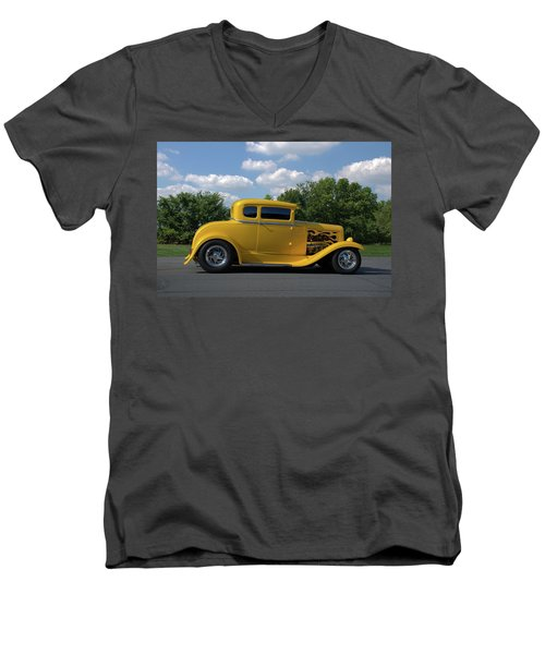 1931 Ford Coupe Hot Rod Men's V-Neck T-Shirt