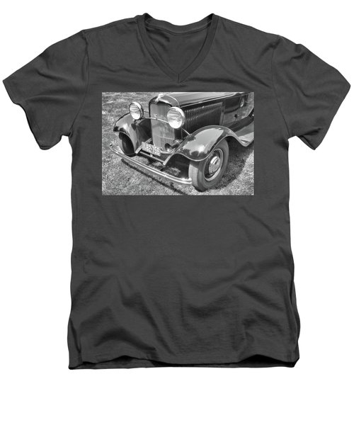 1932 Ford Coupe Bw Men's V-Neck T-Shirt