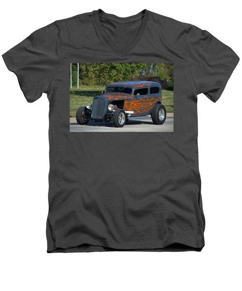 1933 Ford Sedan Hot Rod Men's V-Neck T-Shirt