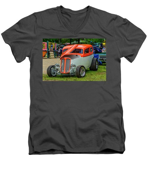 1933 Pontiac Sedan Street Rod Men's V-Neck T-Shirt