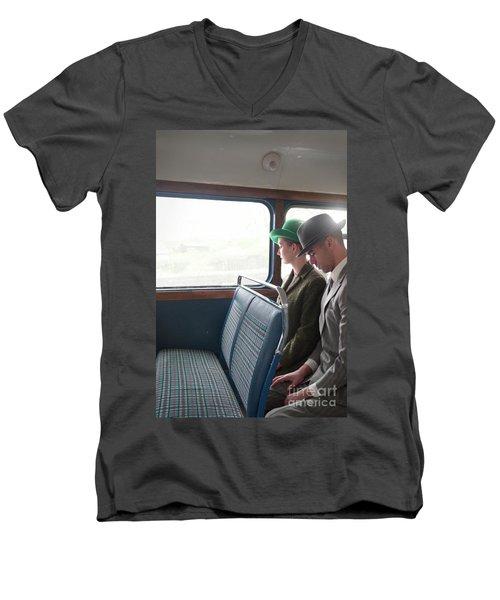 1940s Couple Sitting On A Vintage Bus Men's V-Neck T-Shirt by Lee Avison