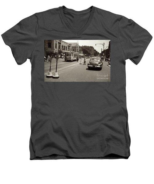 1940's Inwood Trolley Men's V-Neck T-Shirt
