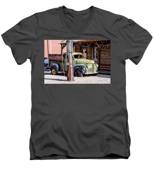 1947 Studebaker M-5 Pickup Truck Men's V-Neck T-Shirt