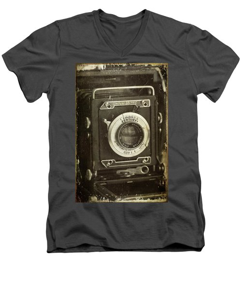 1949 Century Graphic Vintage Camera Men's V-Neck T-Shirt