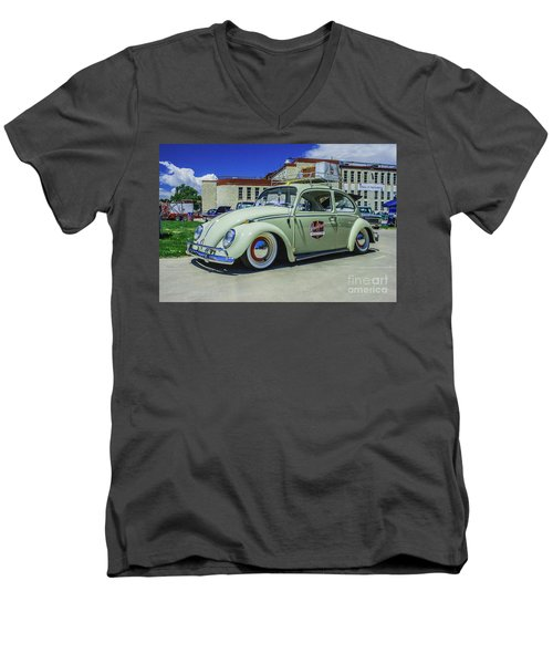 1965 Volkswagen Bug Men's V-Neck T-Shirt