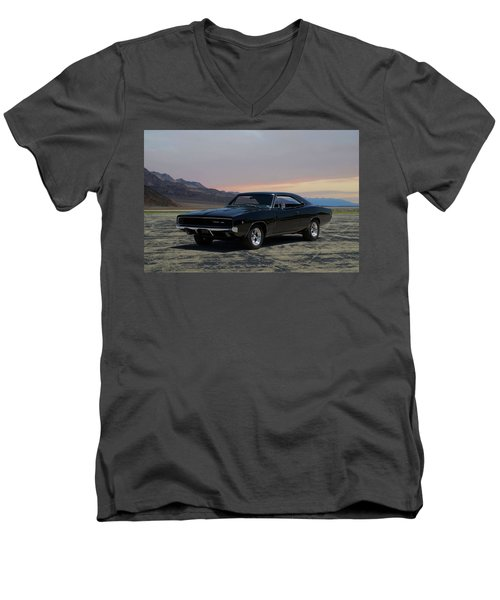 1968 Dodge Charger Rt 440 Men's V-Neck T-Shirt