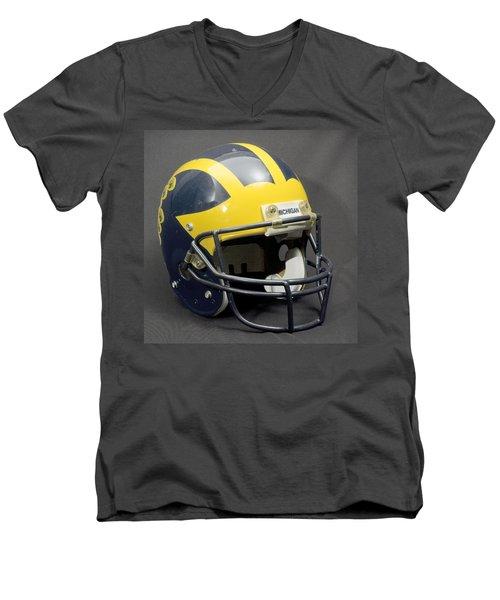 1990s Wolverine Helmet Men's V-Neck T-Shirt