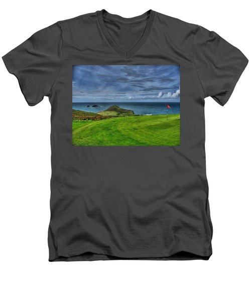1st Green Cape Cornwall Golf Club Men's V-Neck T-Shirt