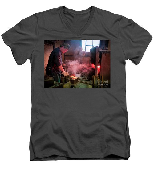 4th Generation Blacksmith, Miki City Japan Men's V-Neck T-Shirt