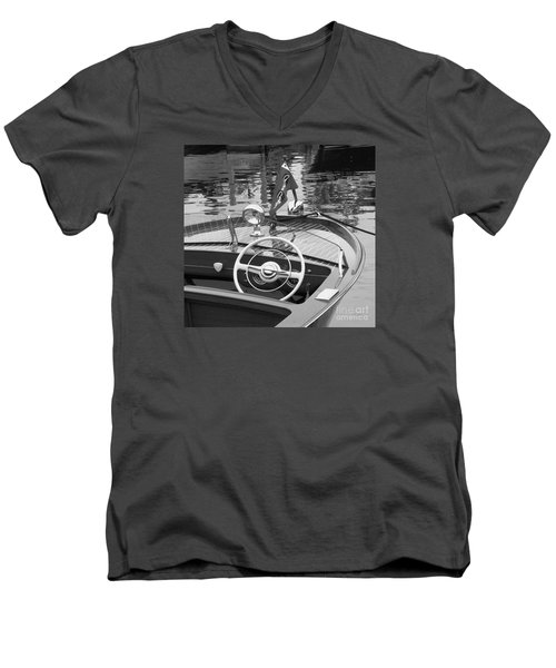 Chris Craft Sportsman Men's V-Neck T-Shirt
