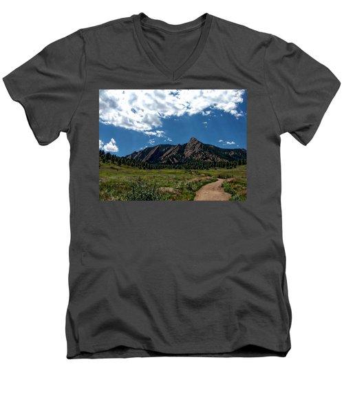 Colorado Landscape Men's V-Neck T-Shirt