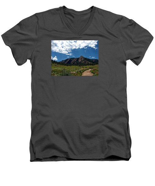 Colorado Landscape Men's V-Neck T-Shirt