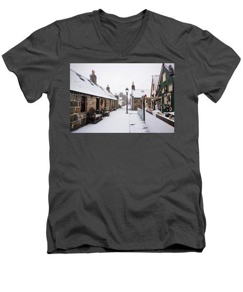Fittie In The Snow Men's V-Neck T-Shirt