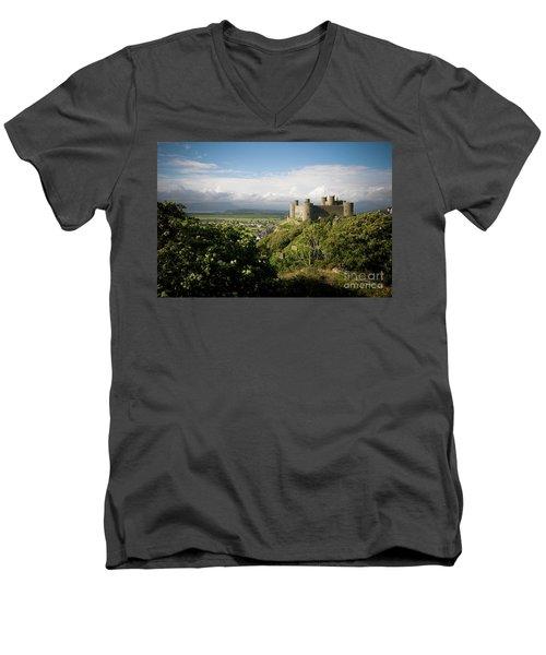 Harlech Castle, Snowdonia, Gwynedd, North Wales, Uk Men's V-Neck T-Shirt