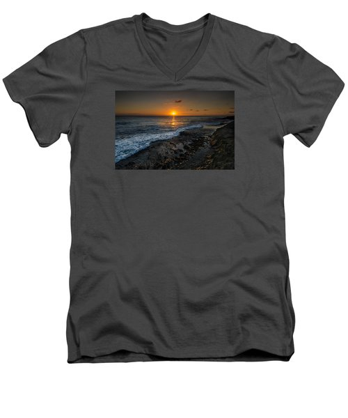 Honolulu Sunset Men's V-Neck T-Shirt