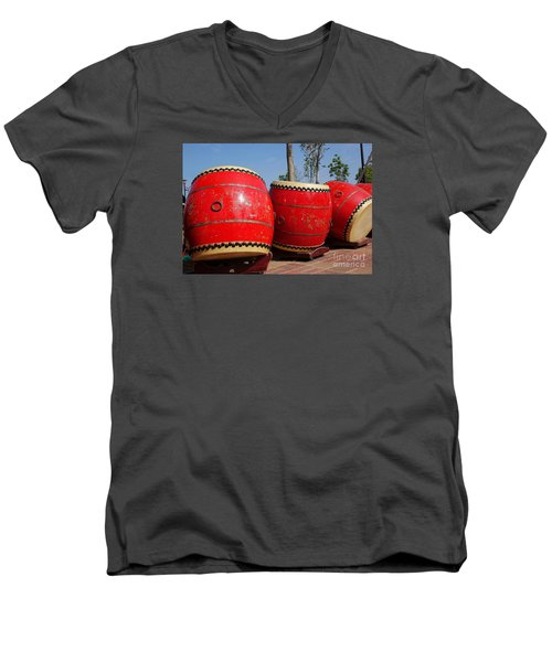 Large Chinese Drums Men's V-Neck T-Shirt